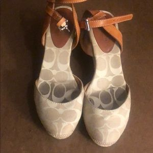 Coach Valerie wedge Sandals. Tan. Size 5.5